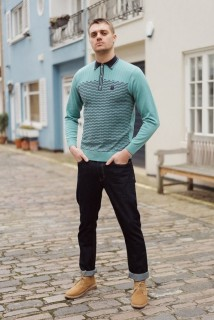 V45GM03 Stagger Stripe Knit Polo
